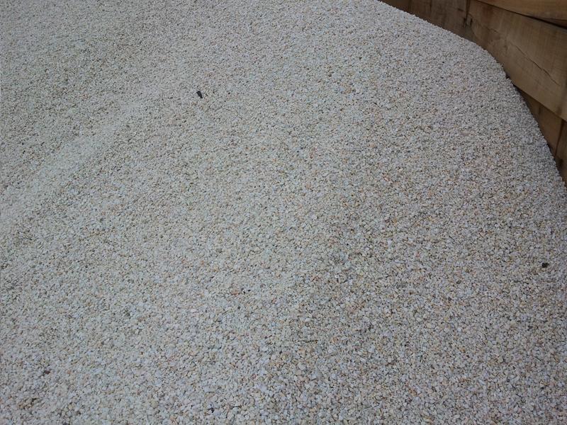 pedras jardim curitiba:Saibro Pó de pedra BRITA BRANCA PARA JARDIM